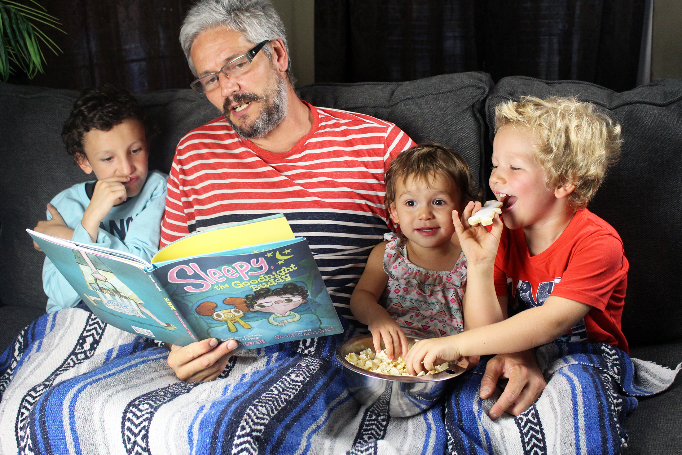 How to Throw a Successful Family Slumber Party
