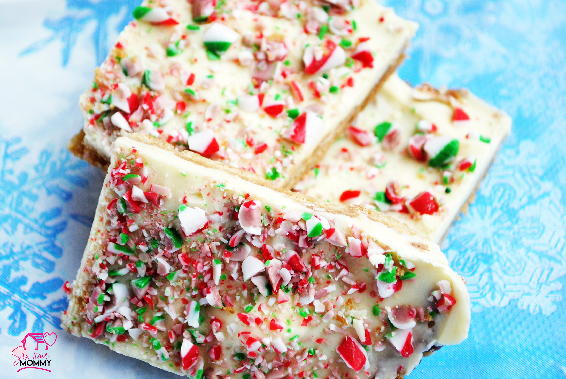 Easy Holiday Peppermint Bark