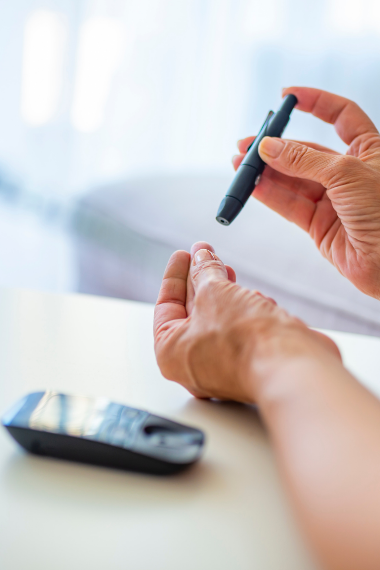 Gestational Diabetes: How to Choose The Right Glucose Monitor
