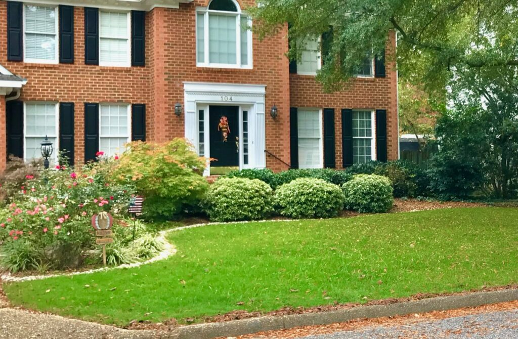 before and after lawns by Prestigious Turf Management - Yorktown VA