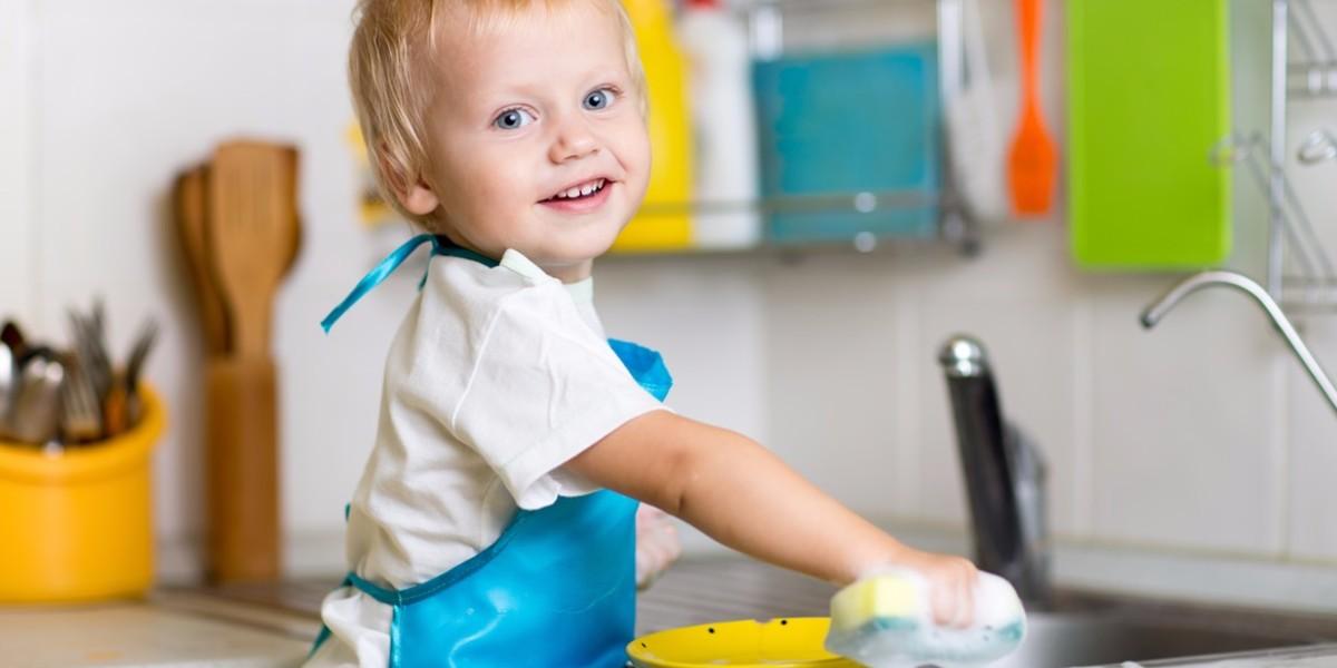 kid-doing-chores