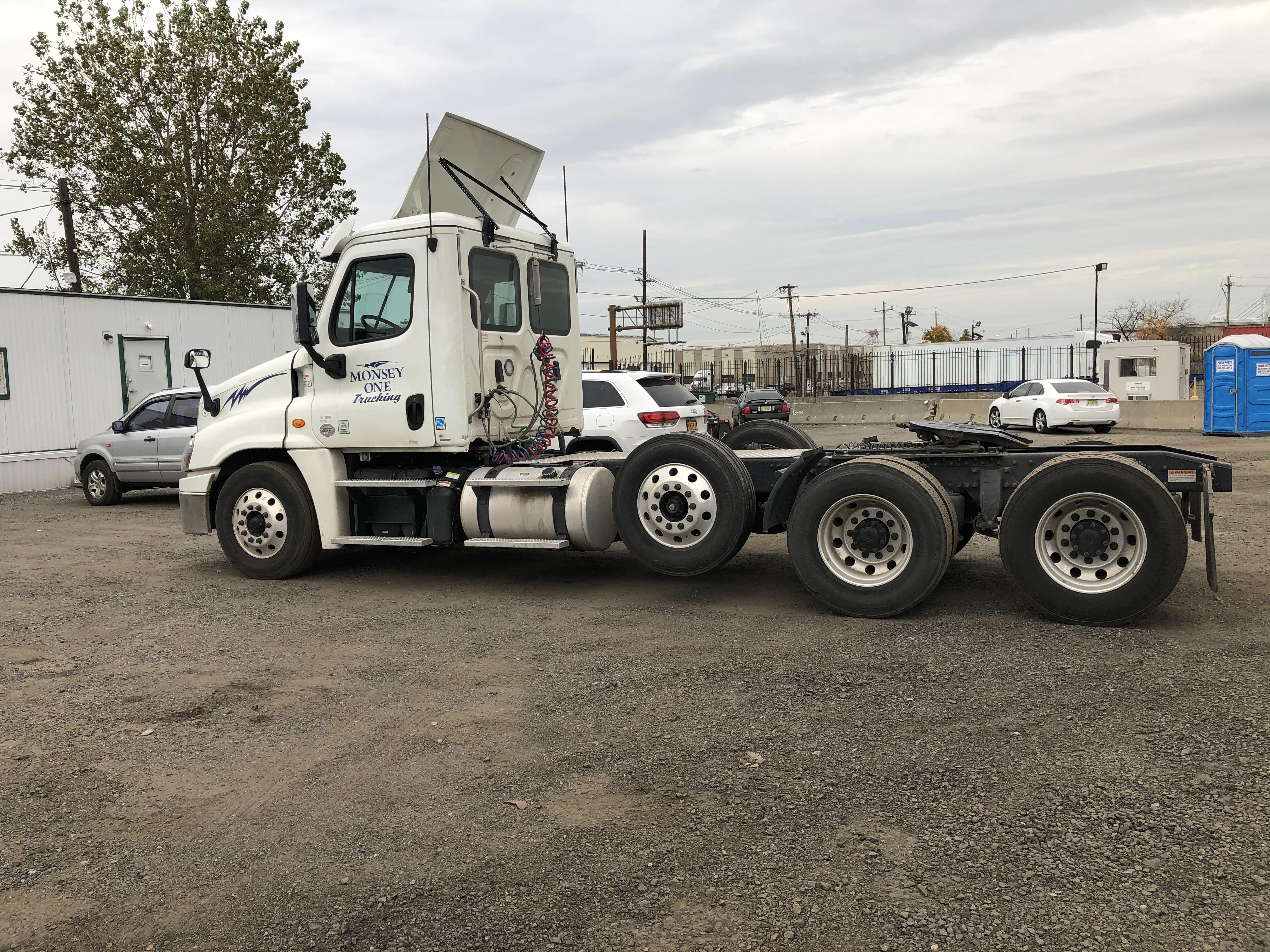 4 Axle Truck