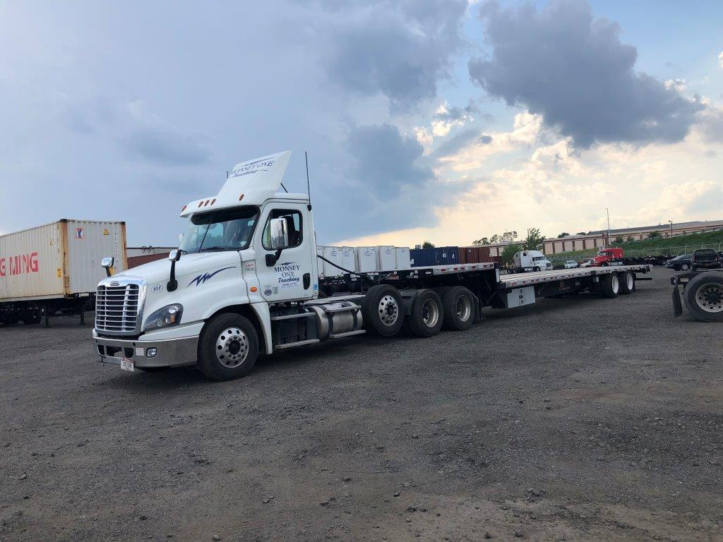 Heavy Haul Truck and Step deck