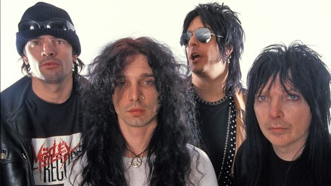 MÖTLEY CRÜE – Hold Secret Rehearsals With John Corabi, Vince Neil To Be Ousted