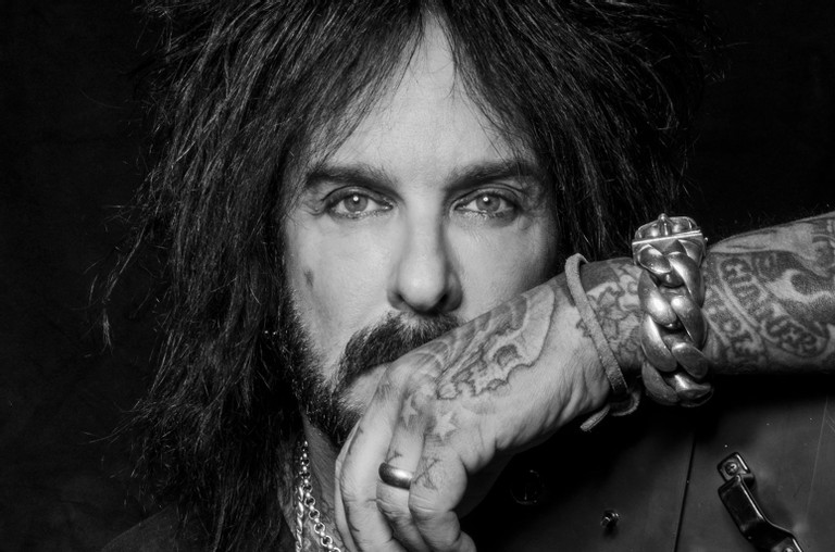 """Nikki Sixx Plans To Record New Crue Music, Says What He's Writing """"Sounds Like The First MÖTLEY CRÜE Album"""""""