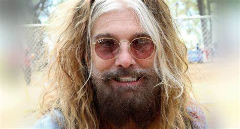 """MÖTLEY CRÜE – Ex-Vocalist John Corabi Issues Stern Words To Fans: """"Fuck Off!"""""""