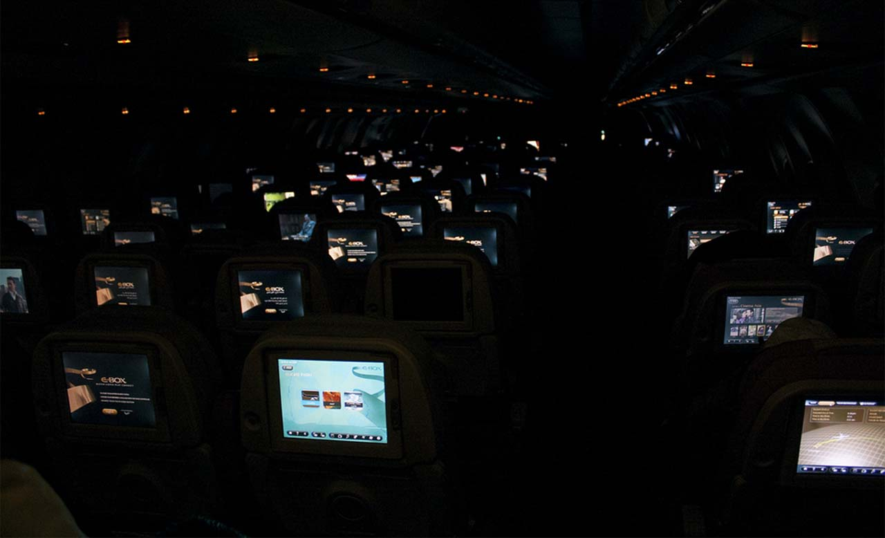 Airplane dim lights, night, airplanes