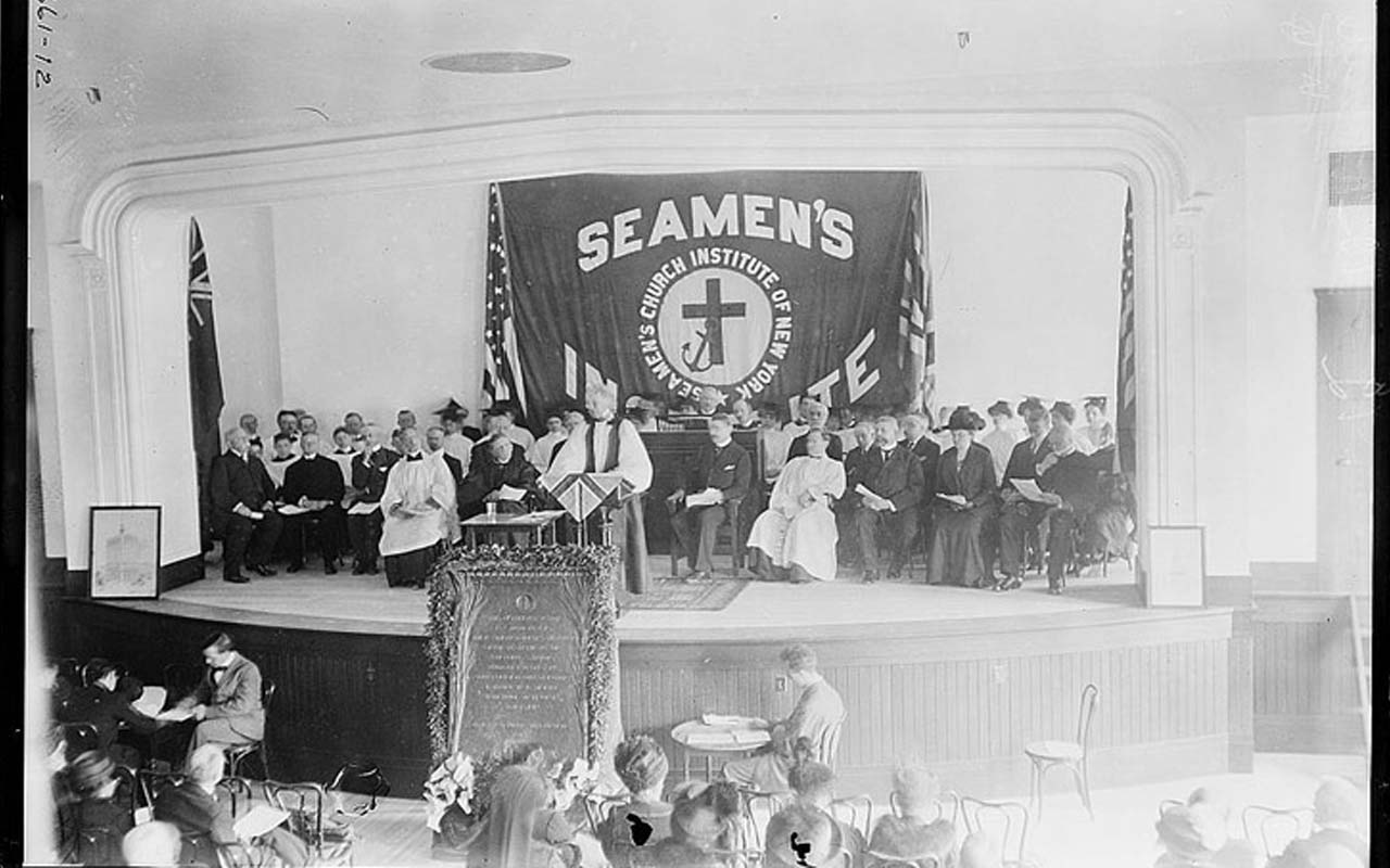 Funeral services in memory of the Titanic at Seamen's Church Institute, New York City.
