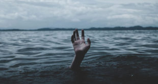 Drowning, fact, facts, mind blowing facts, life, survival, dry drowning, signs, weird, people, ocean, sea, water, lake, swimming, pool