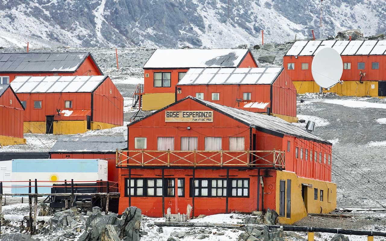 Villa Las Estrellas, Antarctica, life, people