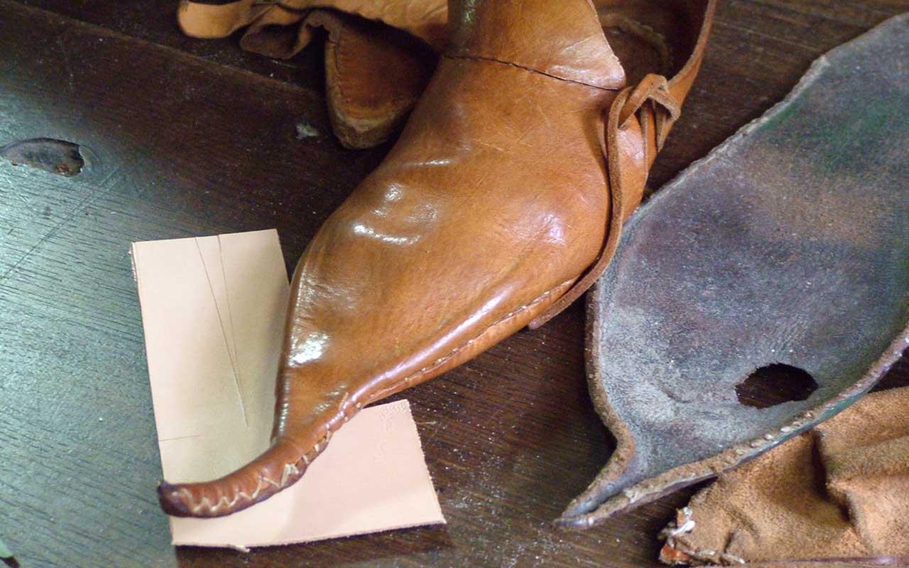 crakows, footwear, facts