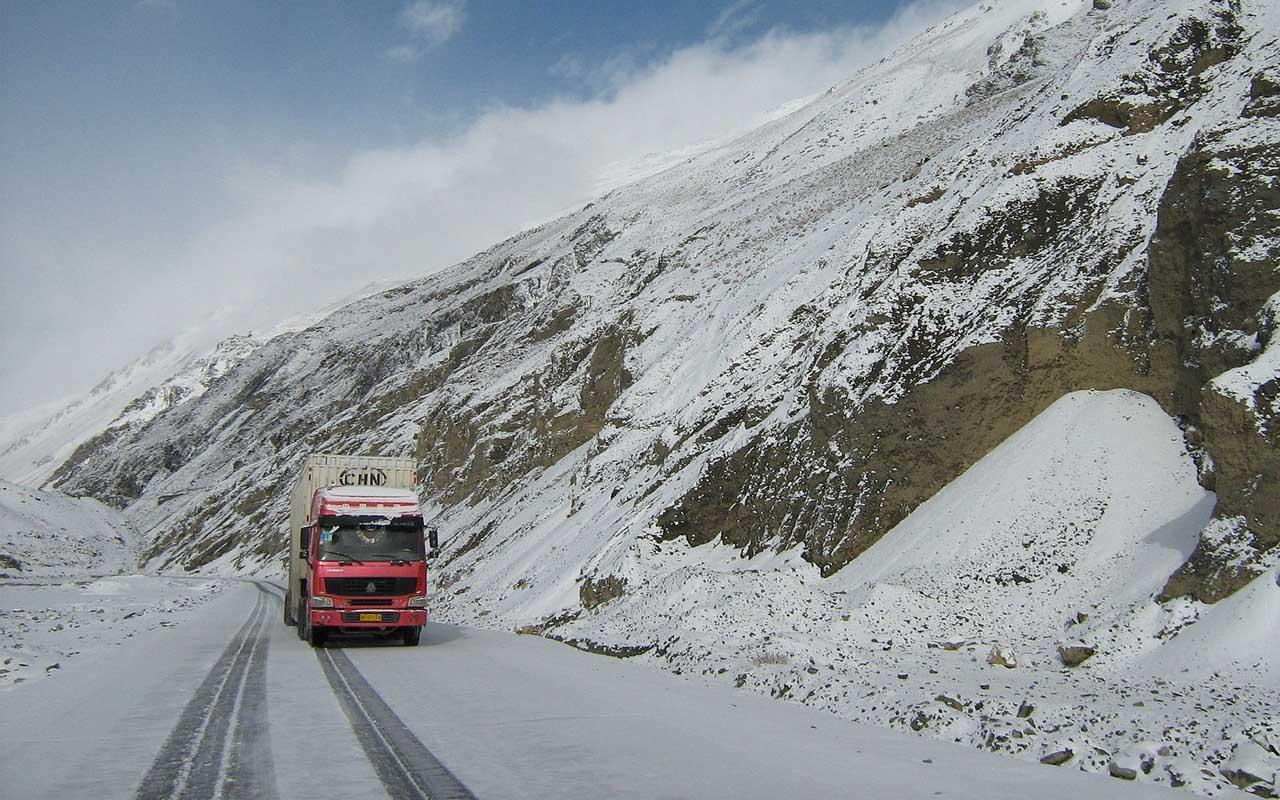 Karakoram highway, roads, facts