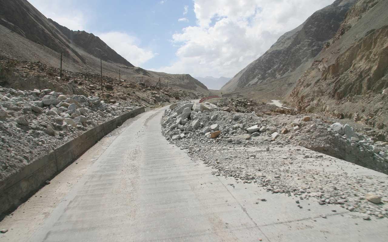 Karakoram highway, roads, life, people