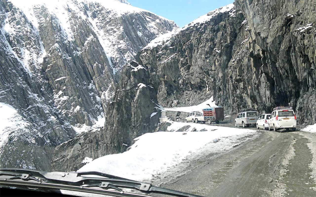Zoji Pass, road, narrow, facts