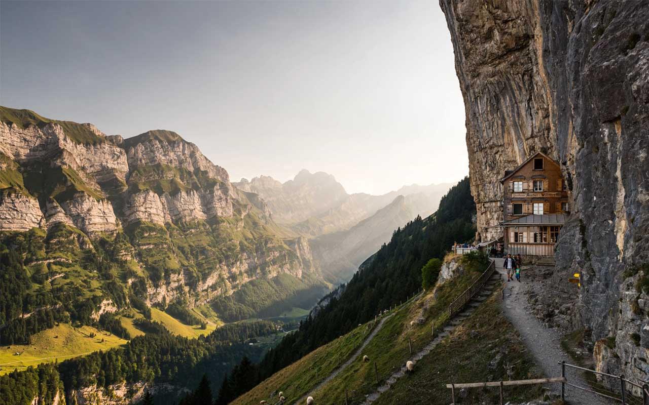 Äscher Cliff, Switzerland, Hotels, restaurant, travel, facts