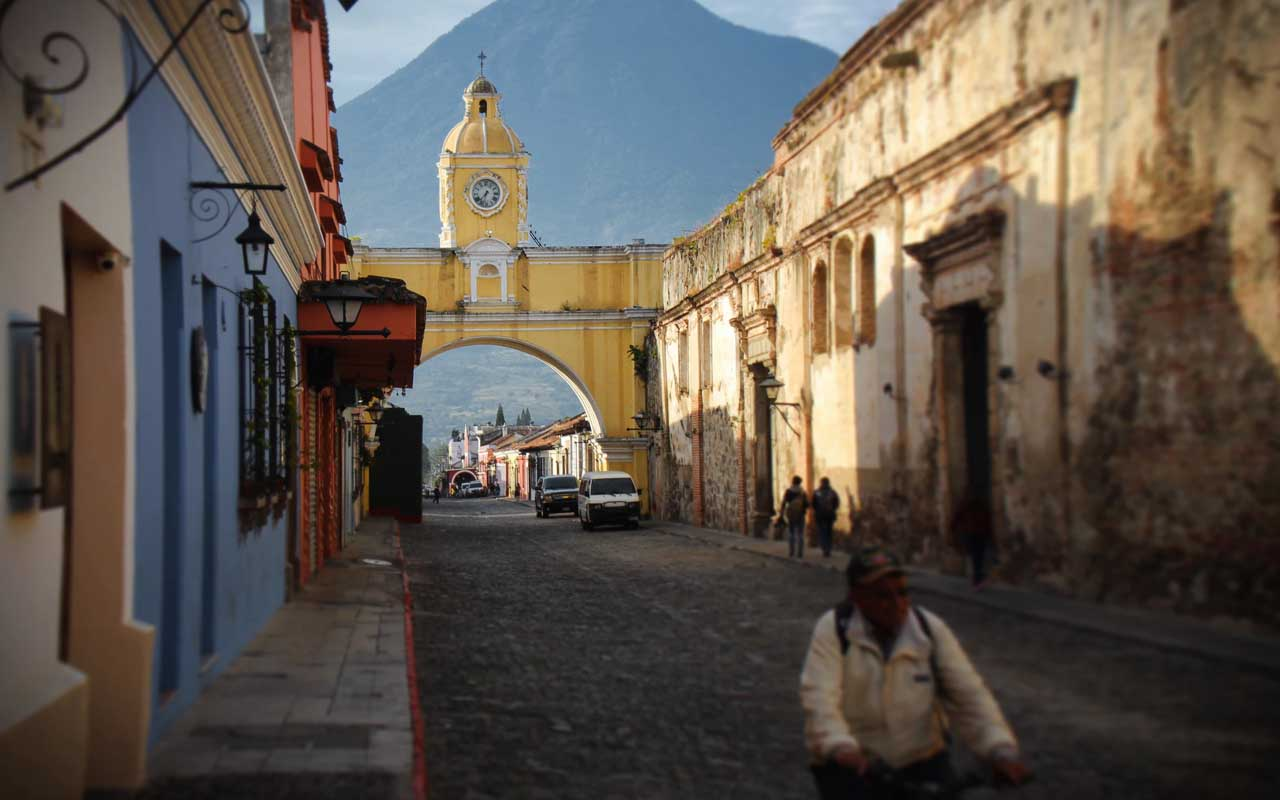 Guatemala, city, facts, foreigners, life