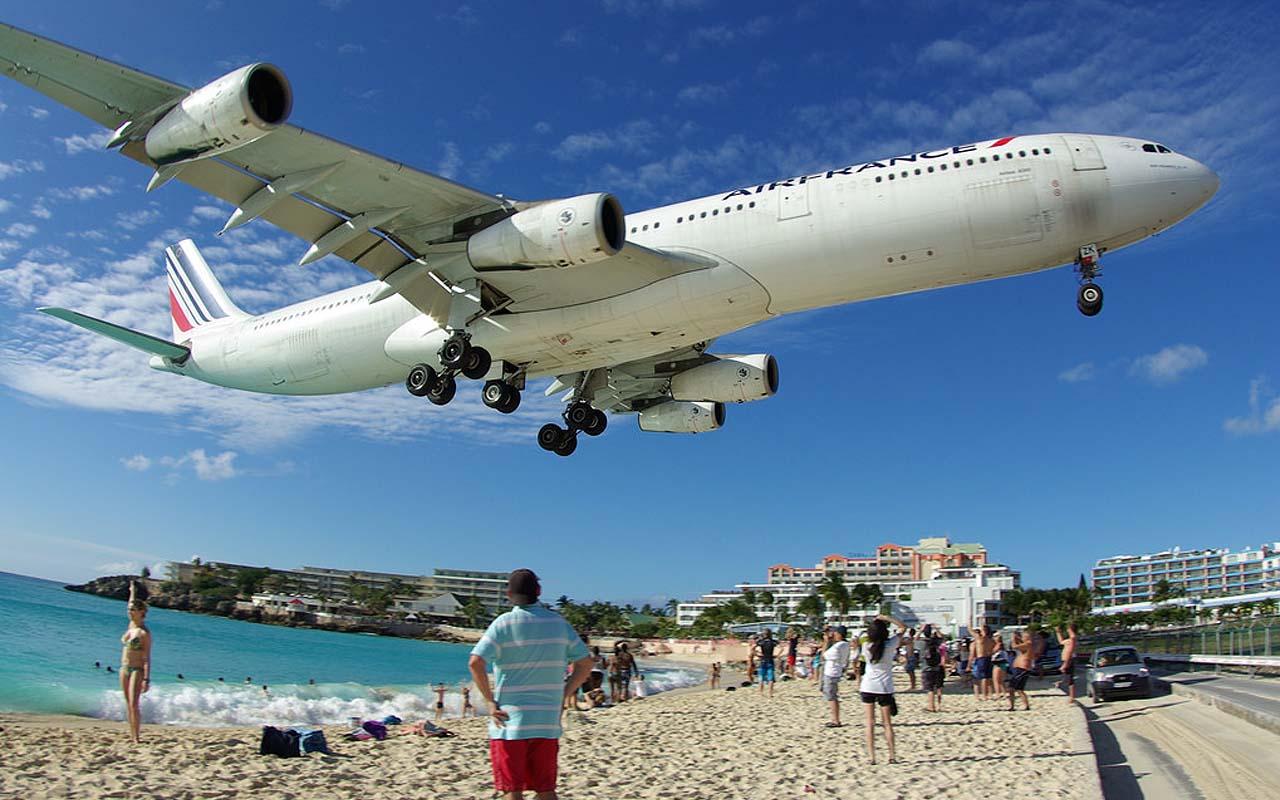 Princess Juliana International Airport, St. Maarten, airport, runway, facts, travel