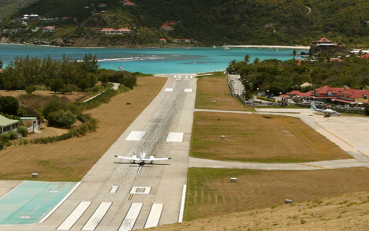 Gustaf III Airport, St. Barths, airports, life, travel, adventure