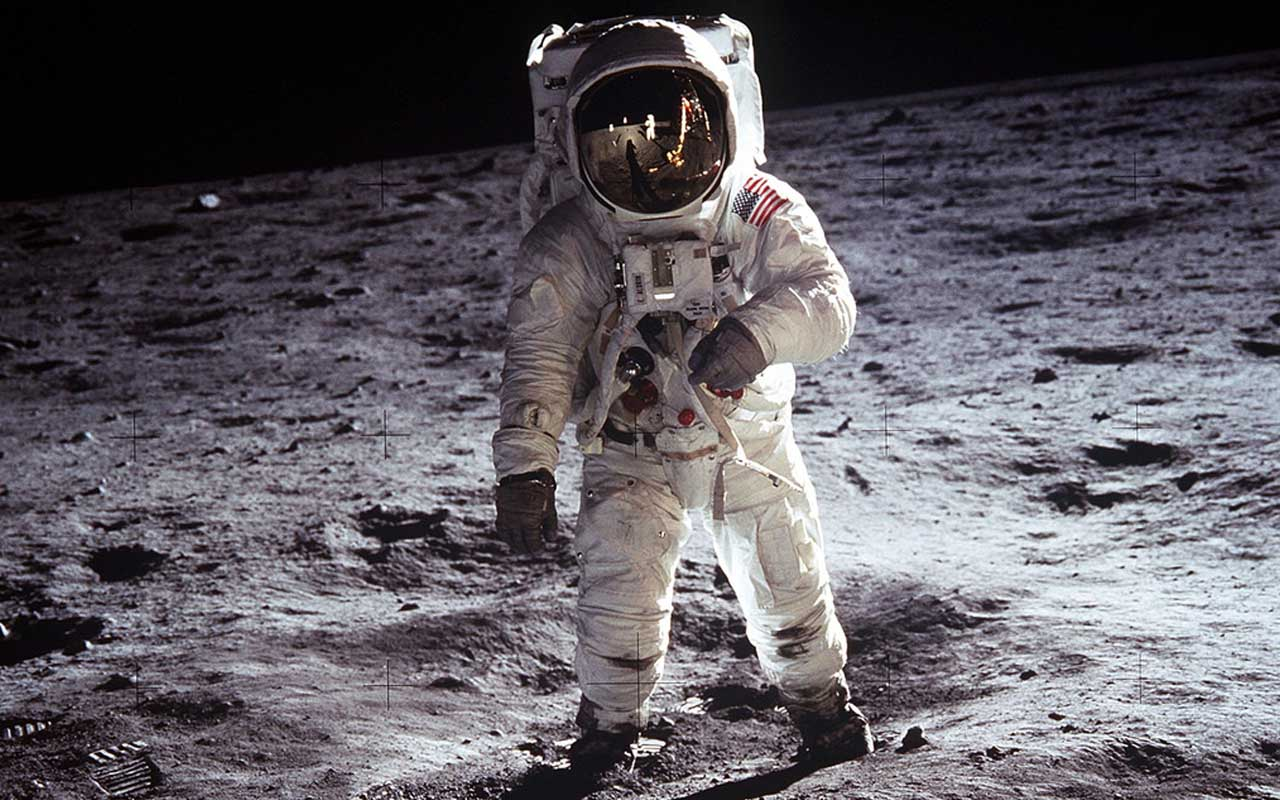 Buzz Aldrin, Moon, landing, Apollo 11, facts, space, universe, tracks