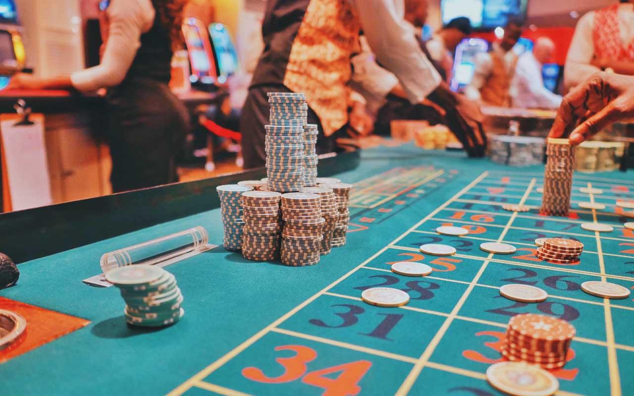 casinos, clocks, psychology, facts, people, life, money