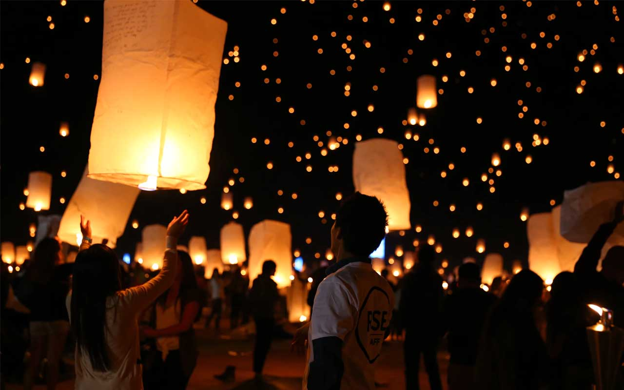 Chinese lanterns, people, environment, life, facts, tradition, damage, planet