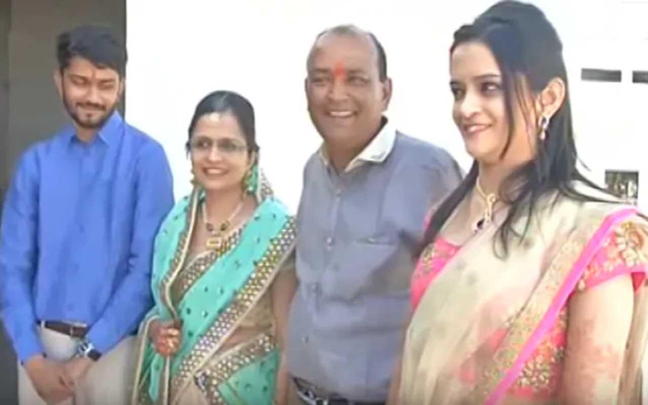 Indian man, life, people, facts, wedding, smile