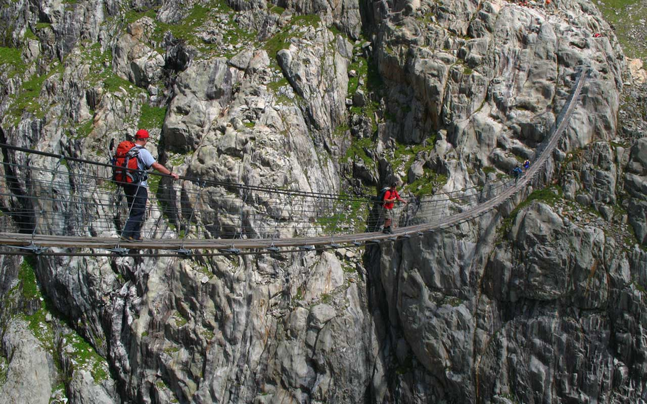 Trift bridge, Switzerland, facts, destinations, life, people, travel