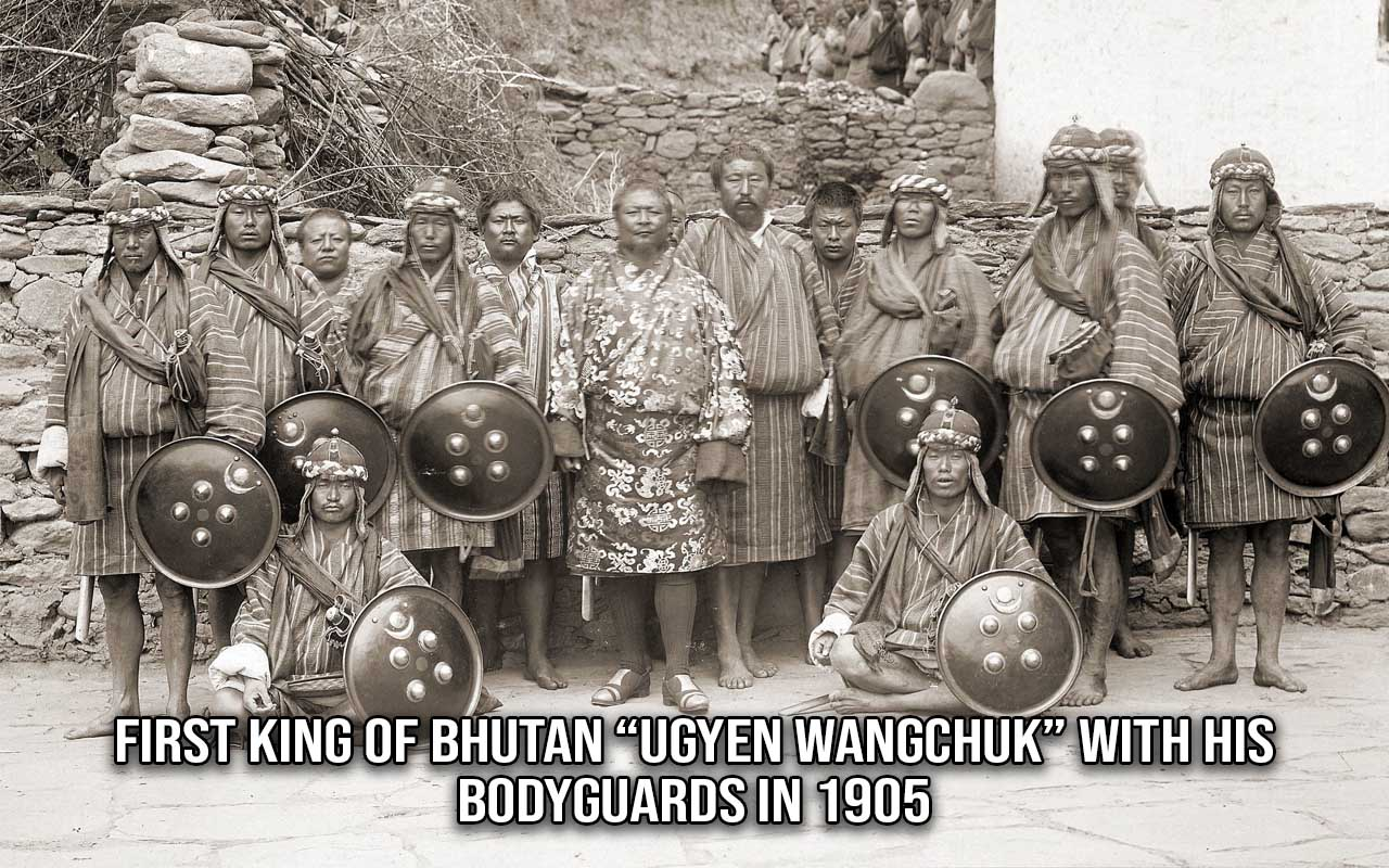 King, Bhutan, facts, life, people, weird, soldiers
