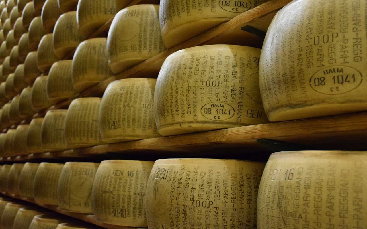 parmesan cheese, banks, Italian, facts, foods, worth