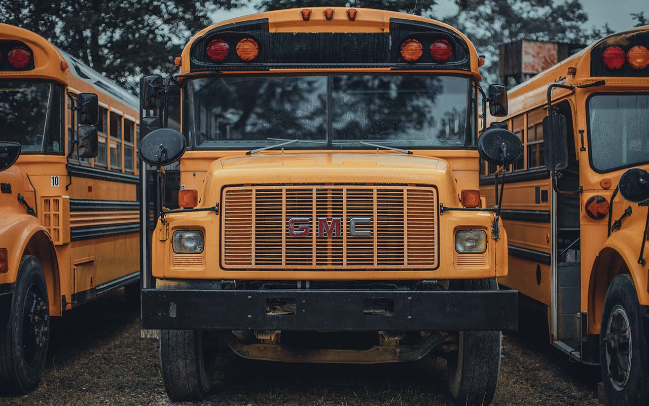school bus, light, color, yellow, wavelength, science, people