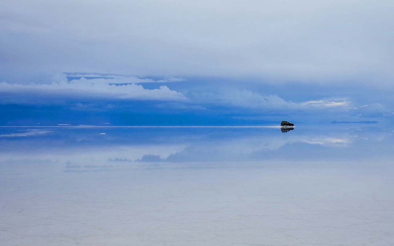 Salar de Uyuni, Bolivia, salt flats, facts, optical, illusion