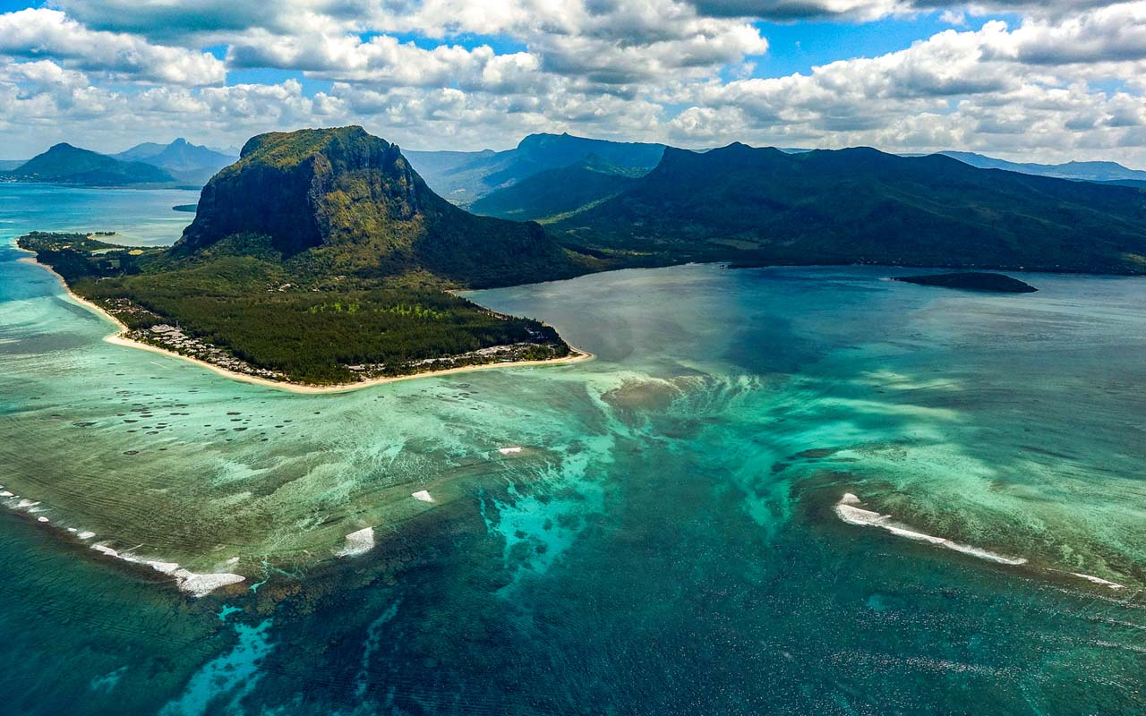 underwater waterfall, Mauritius, facts, illusion, optical, phenomenon, science