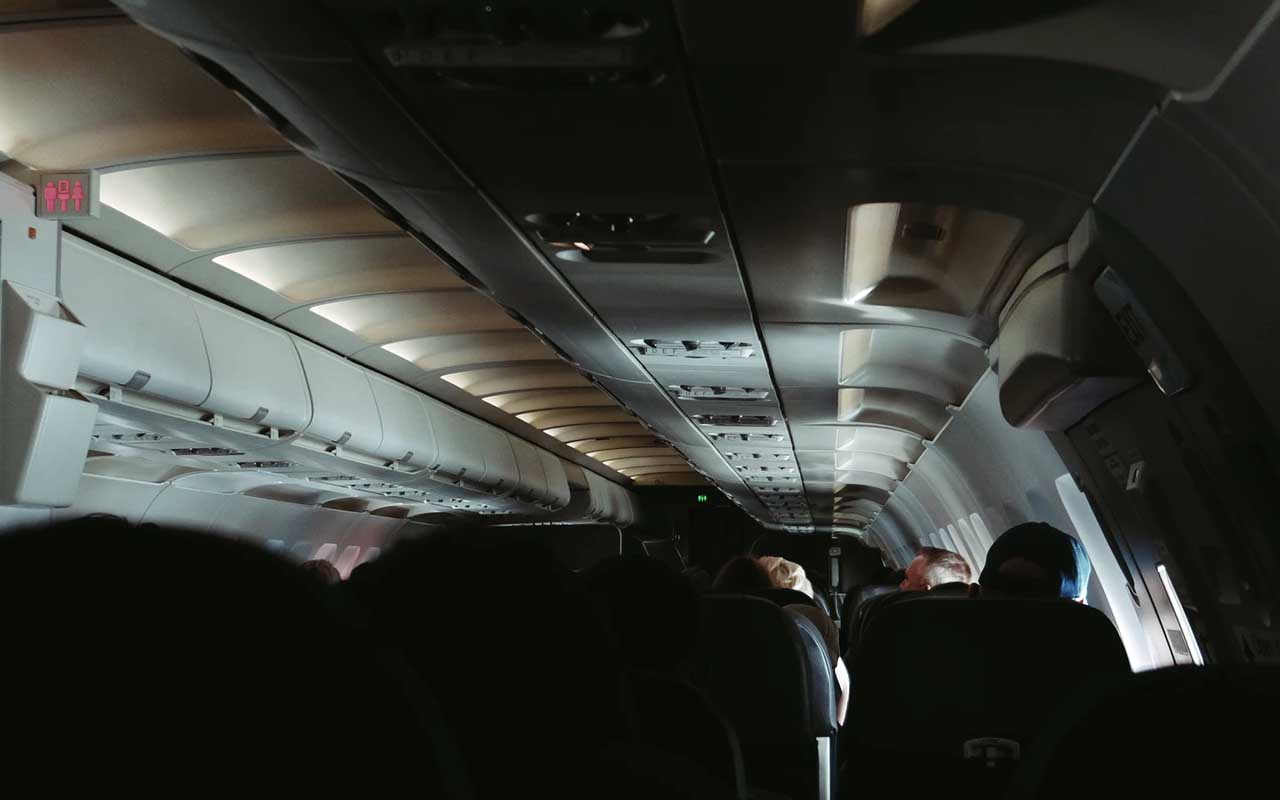 airplane cabin, dim lights, flight attendant, eyes, light source, emergency, facts, travel, leisure, business, Delta airlines, SouthWest Airlines