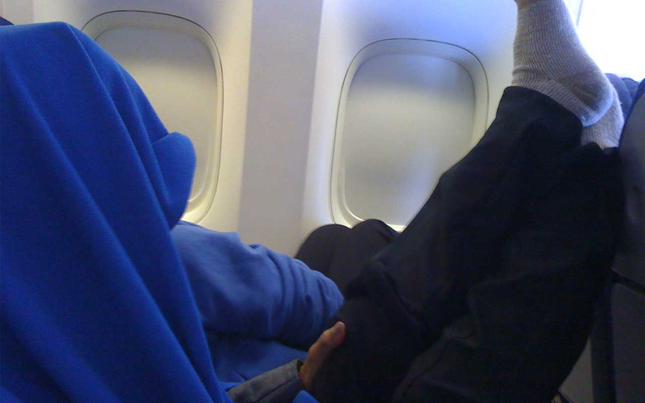 airplane, food, facts, people, life, blanket, pillow, cleanliness