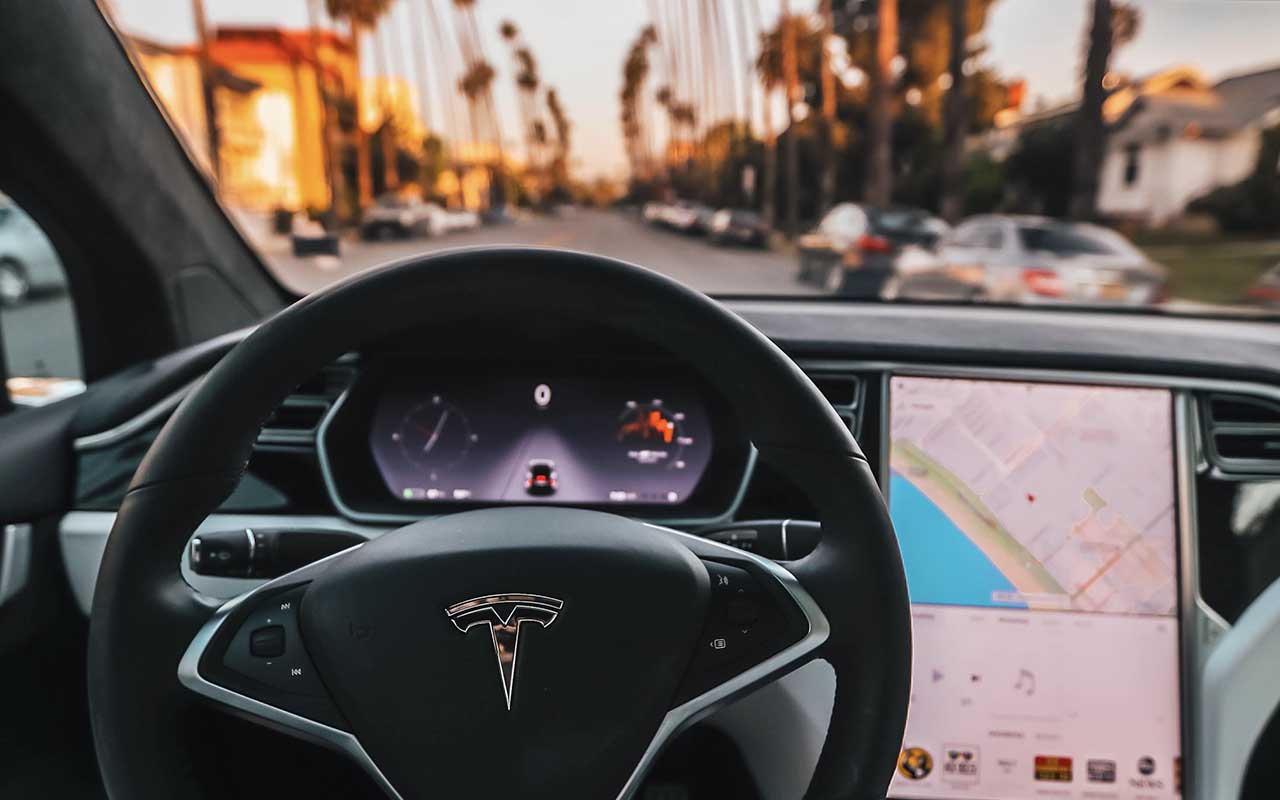 Tesla, self driving car, facts, life, technology, GTA