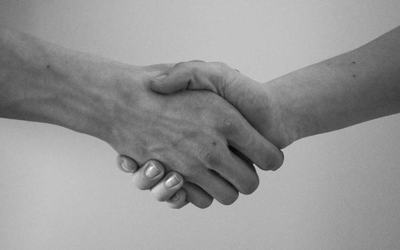handshake, hug, facts, people, life, China, weird, habits
