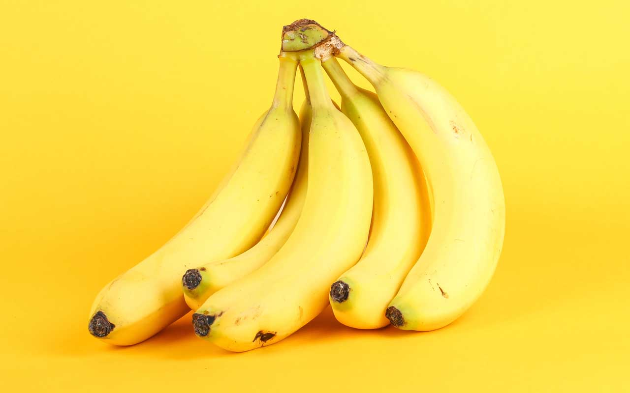bananas, glow in the dark, UV light, facts, science, scientists