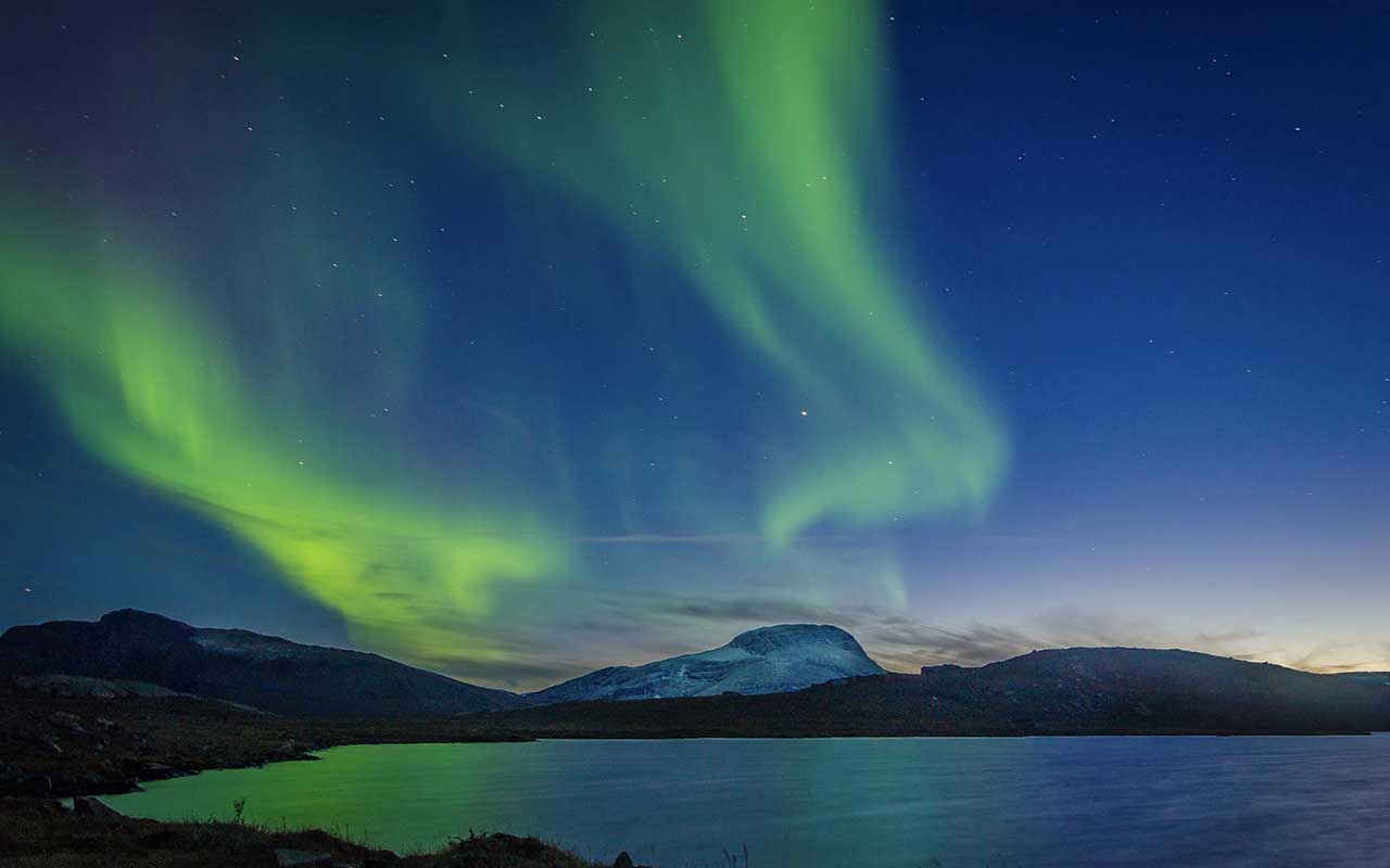 Northern lights, polar night and midnight sun, Finnish atmosphere, mountains, cold, snow, Winter