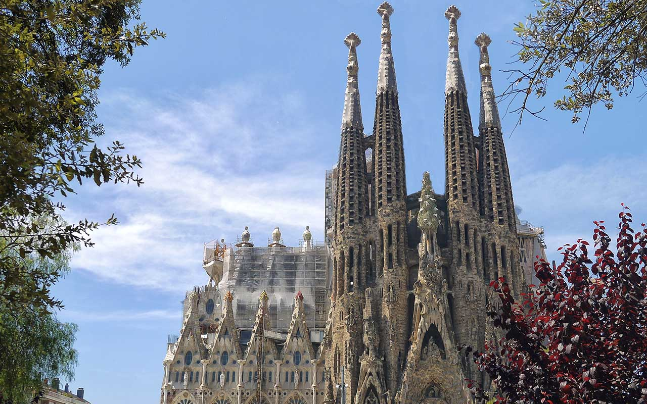 Sagrada Família, cathedral, travel Barcelona, Spain, facts, construction