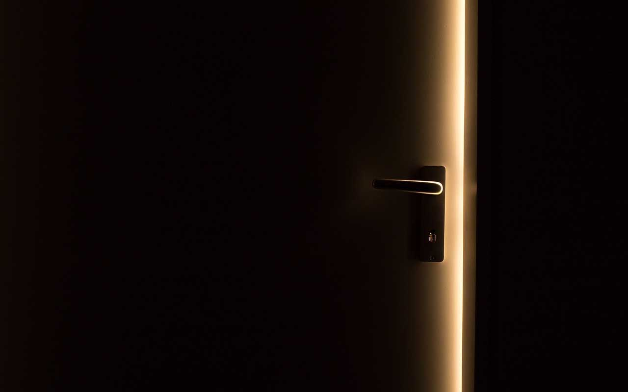 door, color, dark, eyes, colors, facts