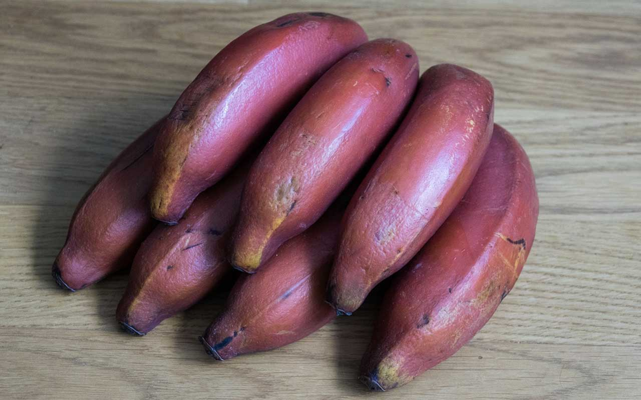 red bananas, fruits, foods, entertainment, India, China, Asia