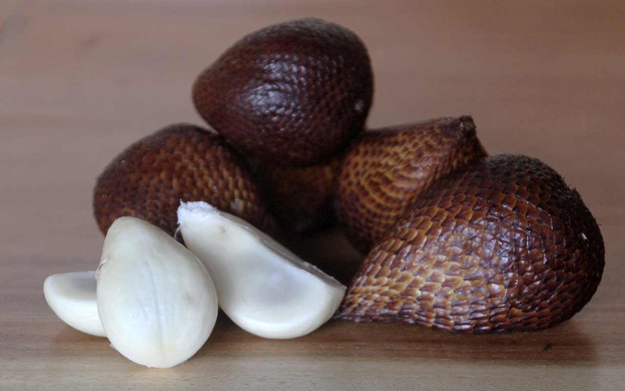 snake fruit, Hawaii, Asia, dragon eggs, facts, life, foods