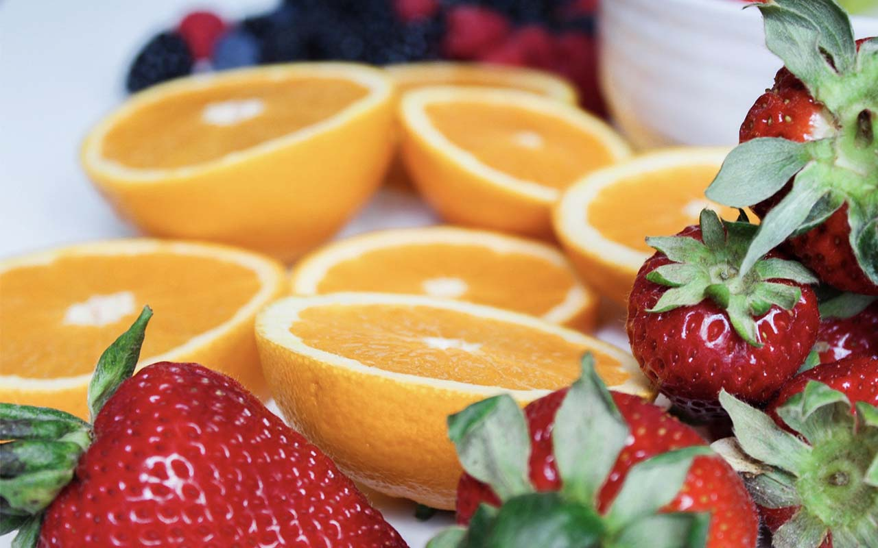 precut fruit, fruits, food, food safety, facts, life, people, entertainment