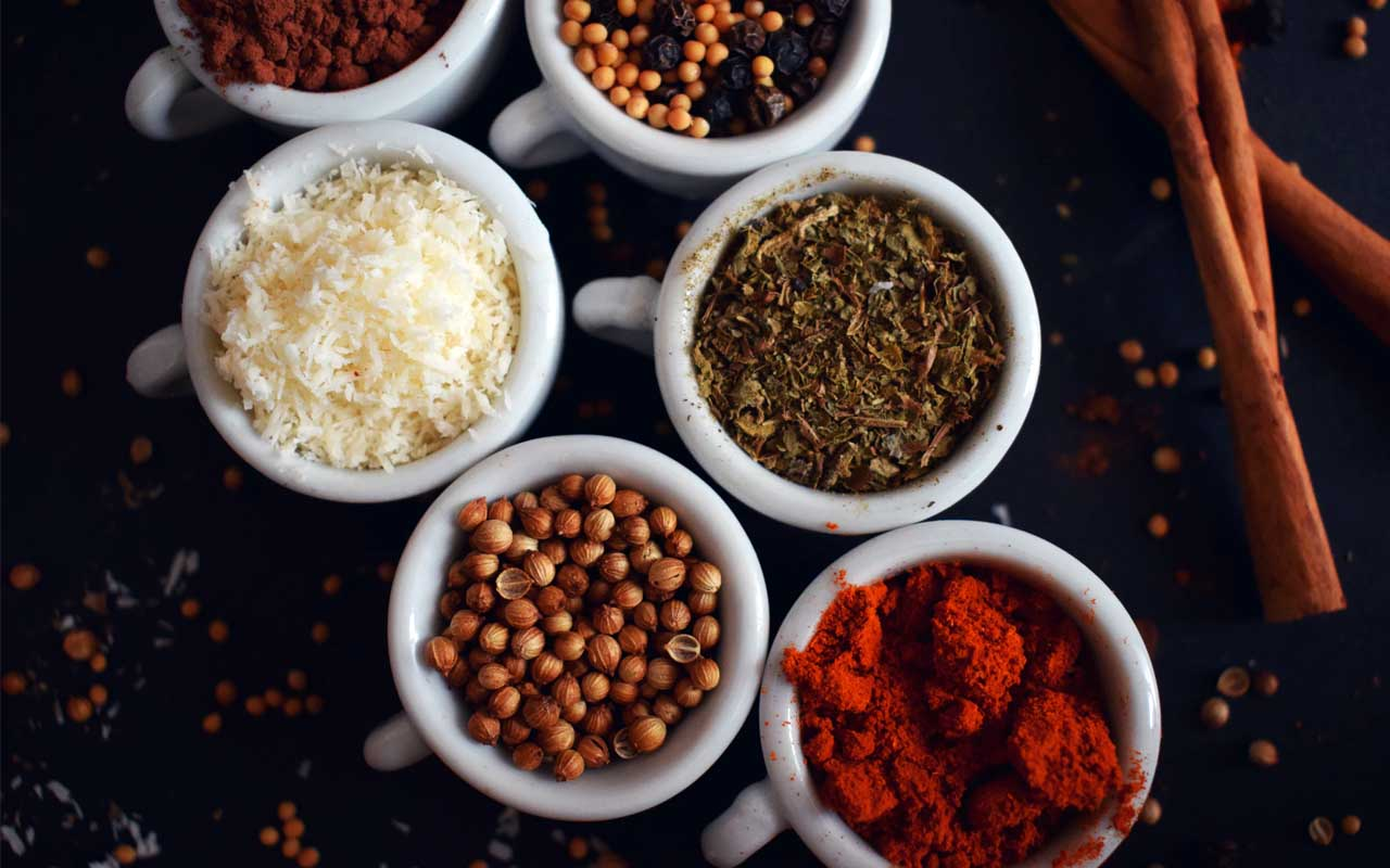 spices, herbs, difference, foods, plants, India, export