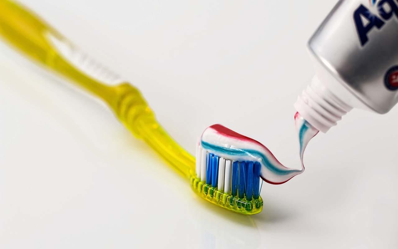 toothpaste, aquafresh, color, red, blue, reasons, secret, hygiene