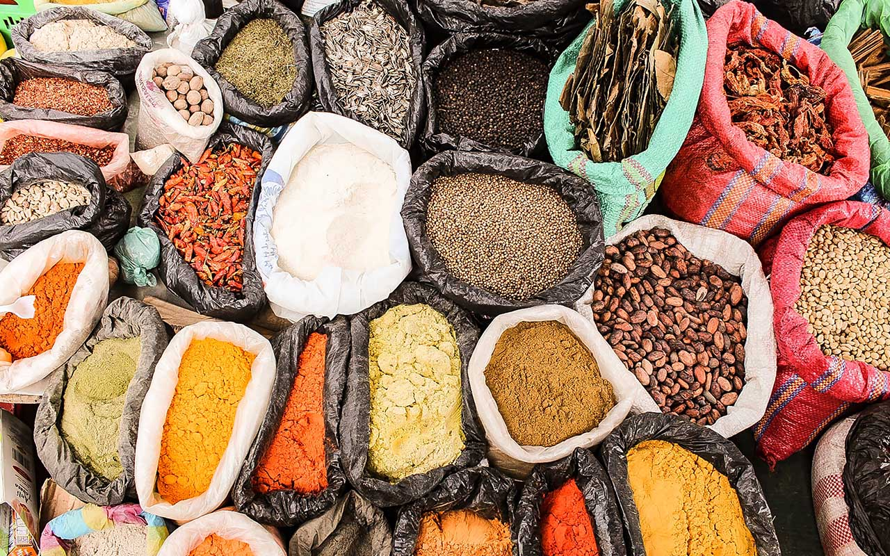 spices, country, facts, exporting, life, foods, people