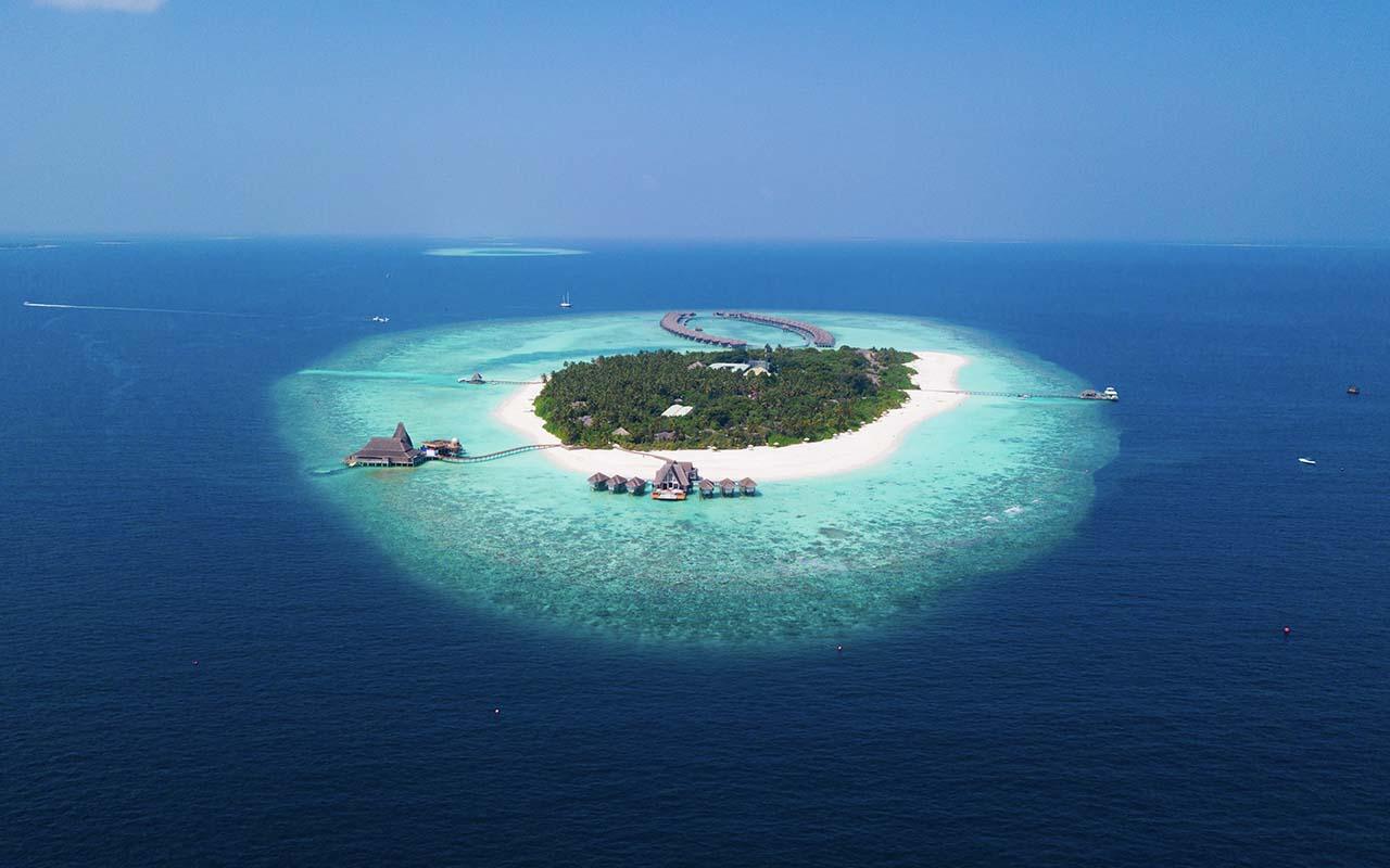 Vaadhoo Island, The Maldives, travel, Asia, beauty, ocean, blue waters, crystal clear ocean