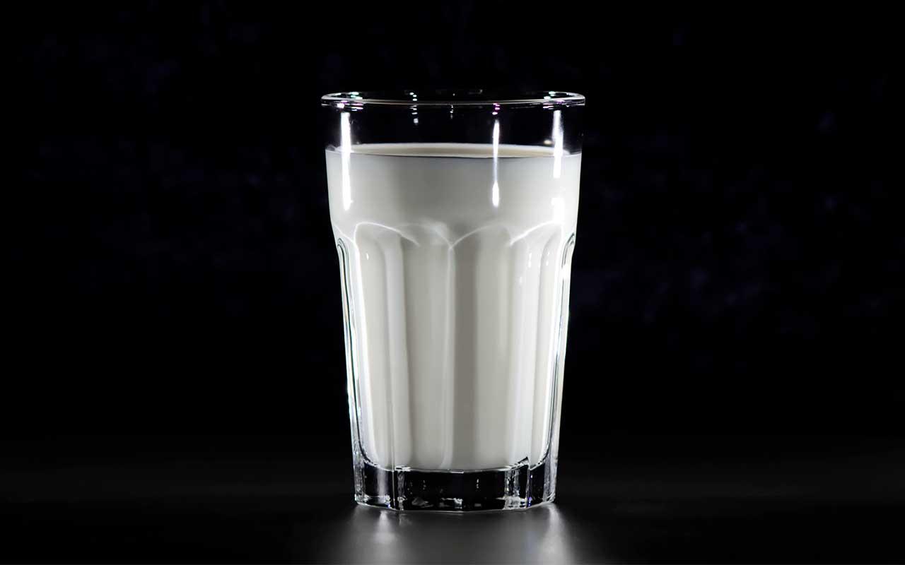 warm milk ,drinks, life, people, sleep better, night, entertainment, facts