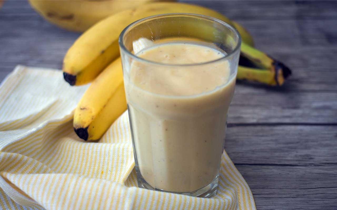 banana, almond, smoothie, drinks, sleep better, life, people, sleeplessness, science