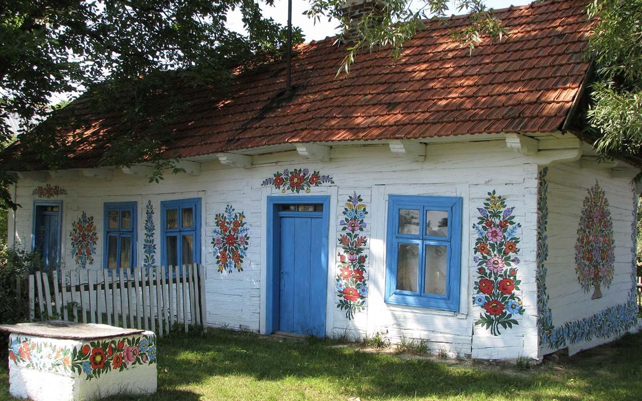 Zalipie, Krakow, Poland, facts, travel, houses, floers